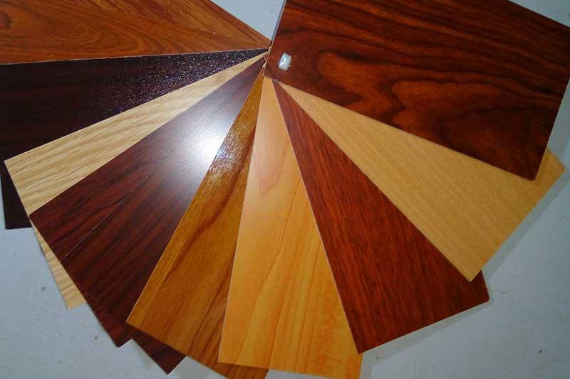 giấy dán bàn gỗ