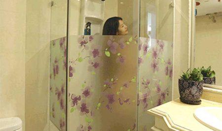 Decal dán kính phòng tắm, Mẫu dán kính vừa che mờ vừa trang trí đẹp